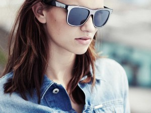 3619_1_WOMAN_sunglasses